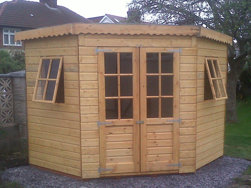 Corner Summer House Mid Cheshire Panels