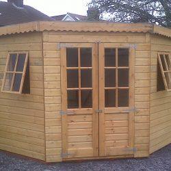 Corner summer house 1